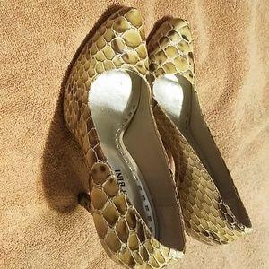 """4"""" Gianni Bini snake leather heels worn once. Grea"""